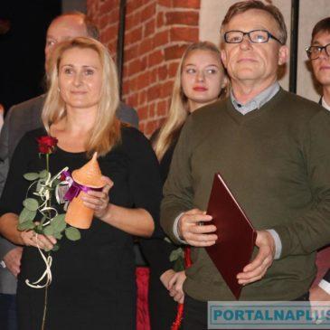 Pierwsza Nagroda Baszty Maślankowej za pracę na rzecz lokalnych środowisk.